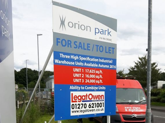 large for sale/to let free standing sign